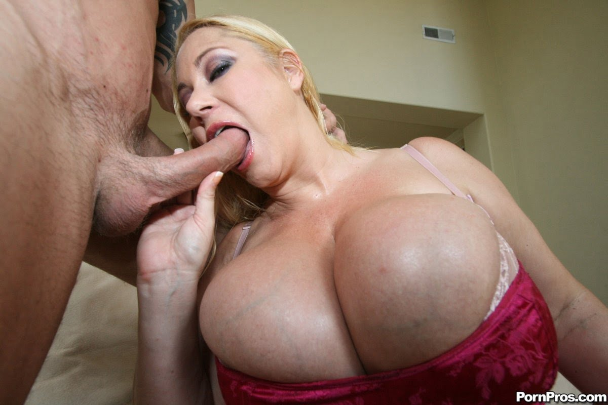 boobs blowjob Giant
