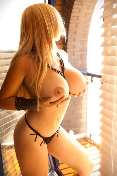 massage escort hook up